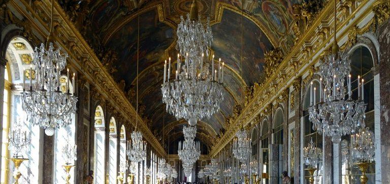Versalio rūmai - neabejotina prabanga