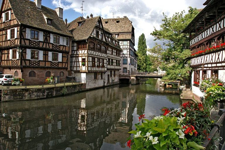 Vandens kanalai Strabūre