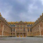 Versalio rūmai abejingų nepalieka