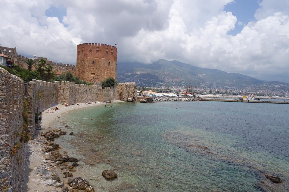 Alanijos pilis